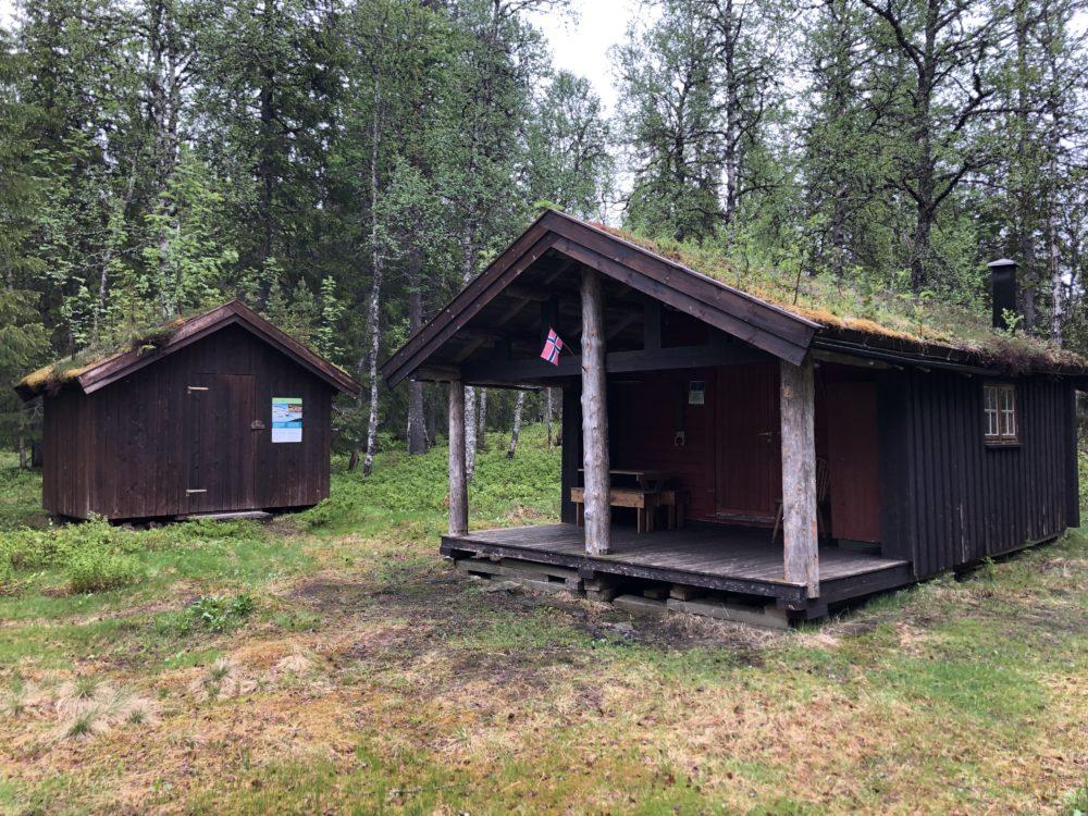 Besøkende i Børgefjell kan besøke Skogstua i Namskroken som står åpen